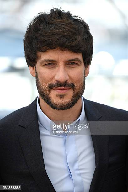 Actor Daniel Grao attends the 'Julieta' photocall during the 69th annual Cannes Film Festival at the Palais des Festivals on May 17 2016 in Cannes...