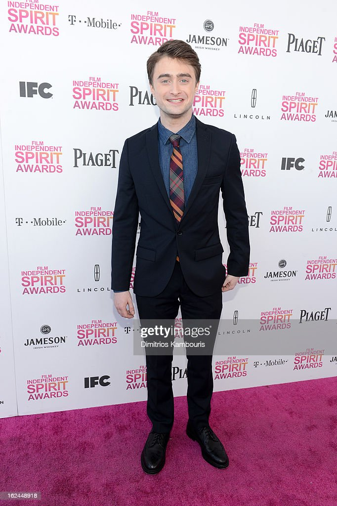 Actor <a gi-track='captionPersonalityLinkClicked' href=/galleries/search?phrase=Daniel+Radcliffe&family=editorial&specificpeople=204144 ng-click='$event.stopPropagation()'>Daniel Radcliffe</a> arrives with Jameson prior to the 2013 Film Independent Spirit Awards at Santa Monica Beach on February 23, 2013 in Santa Monica, California.