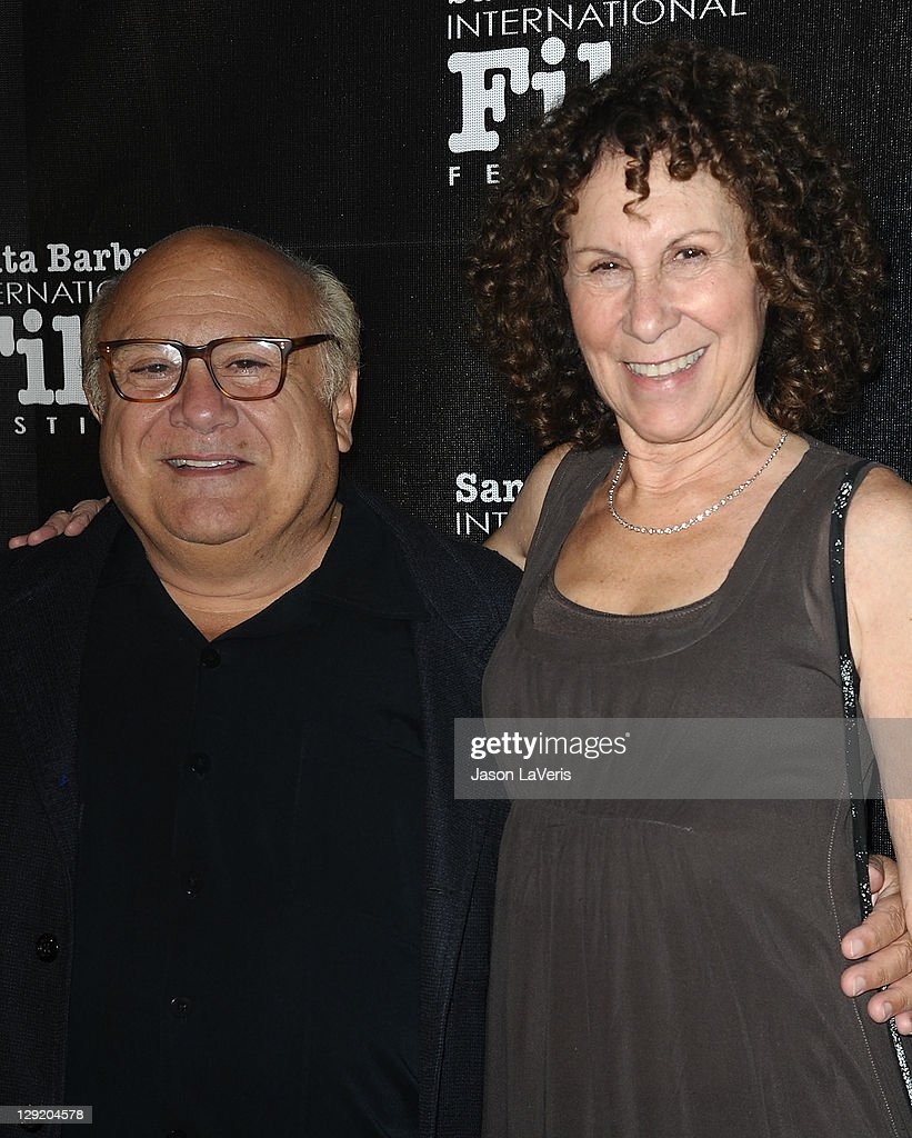 Actor <a gi-track='captionPersonalityLinkClicked' href=/galleries/search?phrase=Danny+DeVito&family=editorial&specificpeople=210718 ng-click='$event.stopPropagation()'>Danny DeVito</a> and actress <a gi-track='captionPersonalityLinkClicked' href=/galleries/search?phrase=Rhea+Perlman&family=editorial&specificpeople=215378 ng-click='$event.stopPropagation()'>Rhea Perlman</a> attend Santa Barbara International Film Festival's 6th annual Kirk Douglas Award for Excellence in Film gala at The Four Seasons Biltmore on October 13, 2011 in Santa Barbara, California.