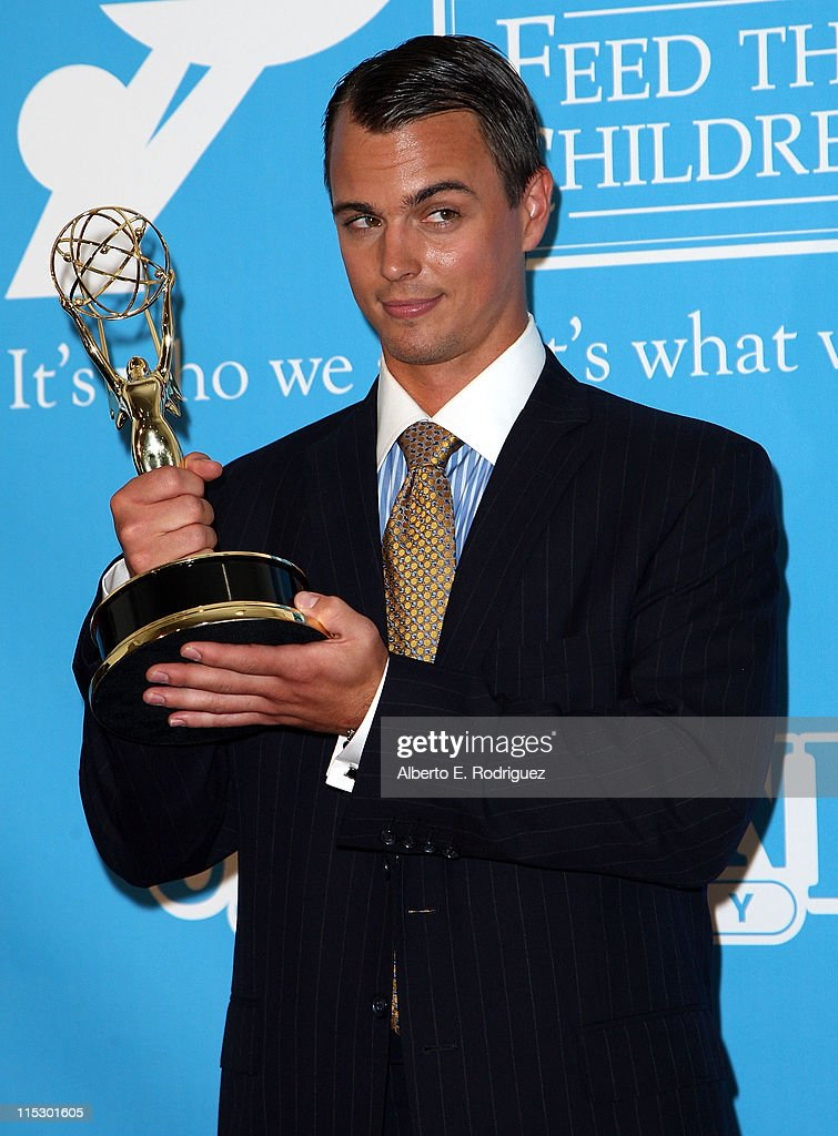 Actor <a gi-track='captionPersonalityLinkClicked' href=/galleries/search?phrase=Darin+Brooks&family=editorial&specificpeople=665177 ng-click='$event.stopPropagation()'>Darin Brooks</a> poses in the press room during the 36th Annual Daytime Emmy Awards at The Orpheum Theatre on August 30, 2009 in Los Angeles, California.