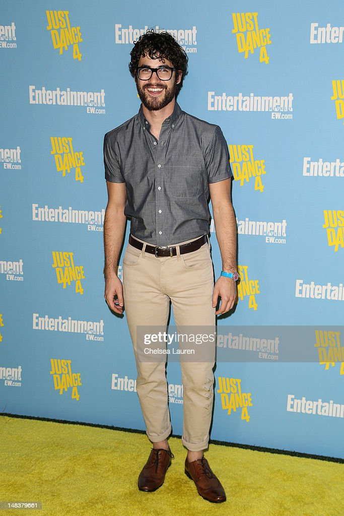 Actor <a gi-track='captionPersonalityLinkClicked' href=/galleries/search?phrase=Darren+Criss&family=editorial&specificpeople=7341435 ng-click='$event.stopPropagation()'>Darren Criss</a> arrives at Entertainment Weekly's Comic-Con celebration at Float at Hard Rock Hotel San Diego on July 14, 2012 in San Diego, California.