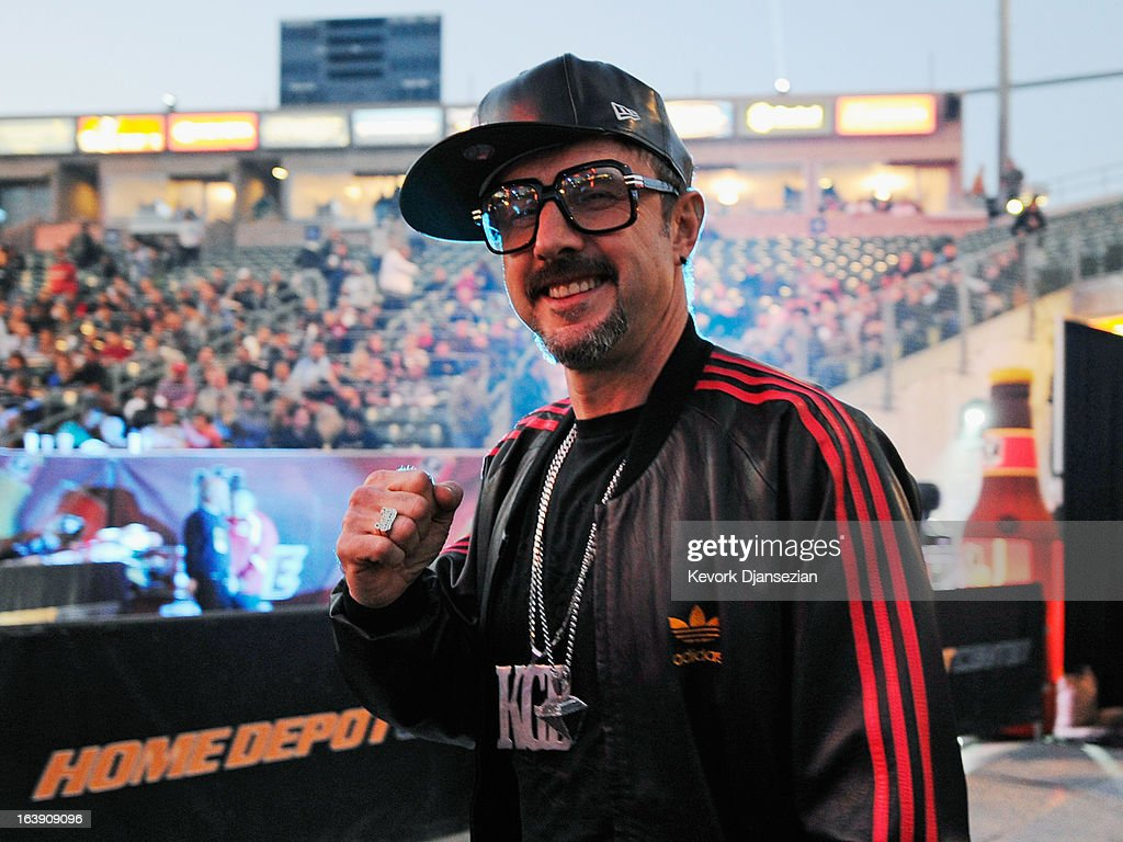 Actor <a gi-track='captionPersonalityLinkClicked' href=/galleries/search?phrase=David+Arquette&family=editorial&specificpeople=201740 ng-click='$event.stopPropagation()'>David Arquette</a> arrive for the WBO welterweight title boxing match between champion Timothy Bradley and Ruslan Provodnikov, from Russia, at The Home Depot Center on March 16, 2013 in Carson, California.