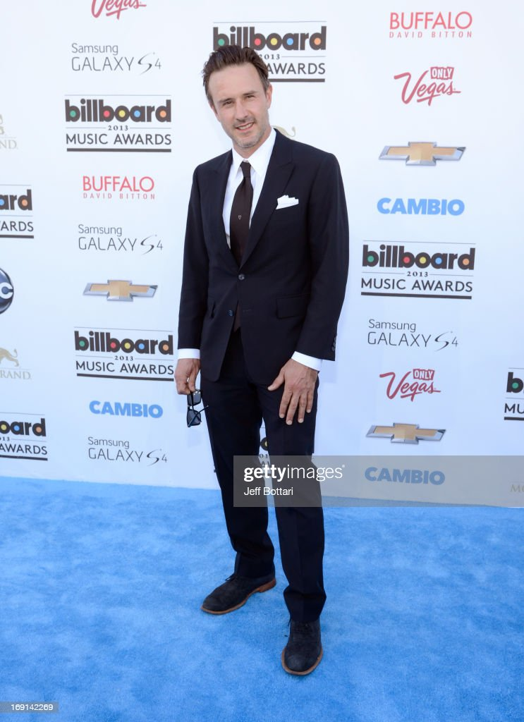 Actor <a gi-track='captionPersonalityLinkClicked' href=/galleries/search?phrase=David+Arquette&family=editorial&specificpeople=201740 ng-click='$event.stopPropagation()'>David Arquette</a> arrives at the 2013 Billboard Music Awards at the MGM Grand Garden Arena on May 19, 2013 in Las Vegas, Nevada.