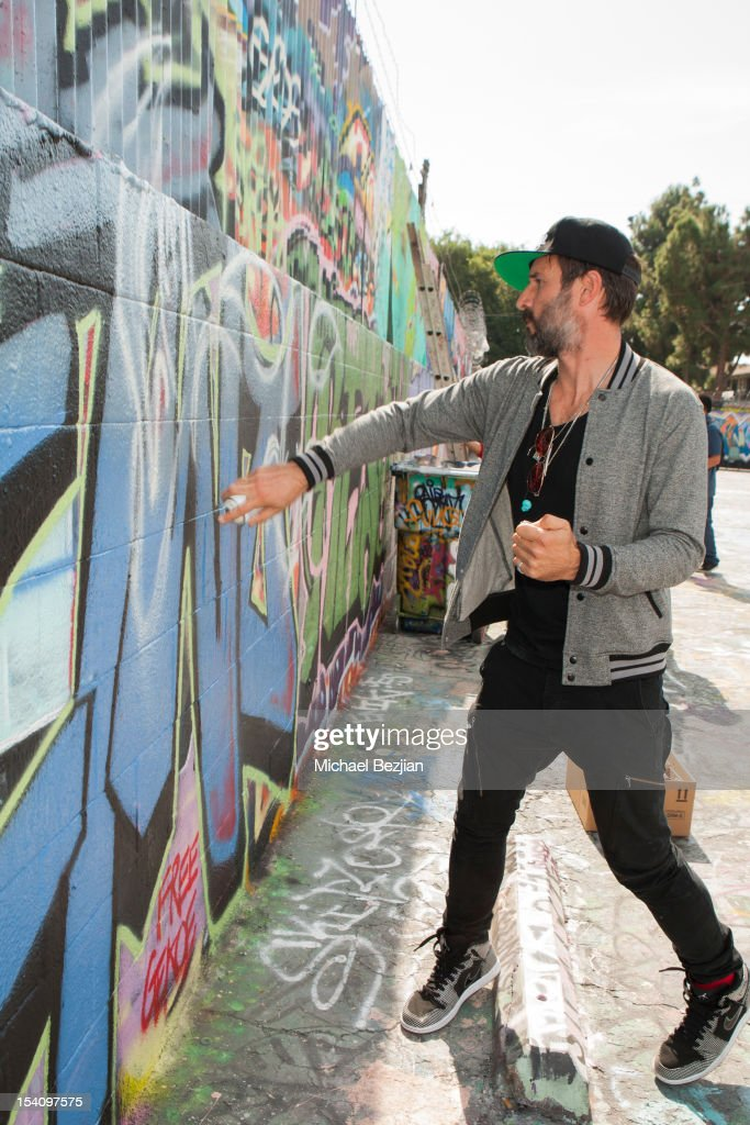 Actor <a gi-track='captionPersonalityLinkClicked' href=/galleries/search?phrase=David+Arquette&family=editorial&specificpeople=201740 ng-click='$event.stopPropagation()'>David Arquette</a> attends <a gi-track='captionPersonalityLinkClicked' href=/galleries/search?phrase=David+Arquette&family=editorial&specificpeople=201740 ng-click='$event.stopPropagation()'>David Arquette</a>'s Piece Fest - A Music and Street Festival to benefit Pico Union Housing Corp. and Graff Lab at The Graff Lab on October 13, 2012 in Los Angeles, California.
