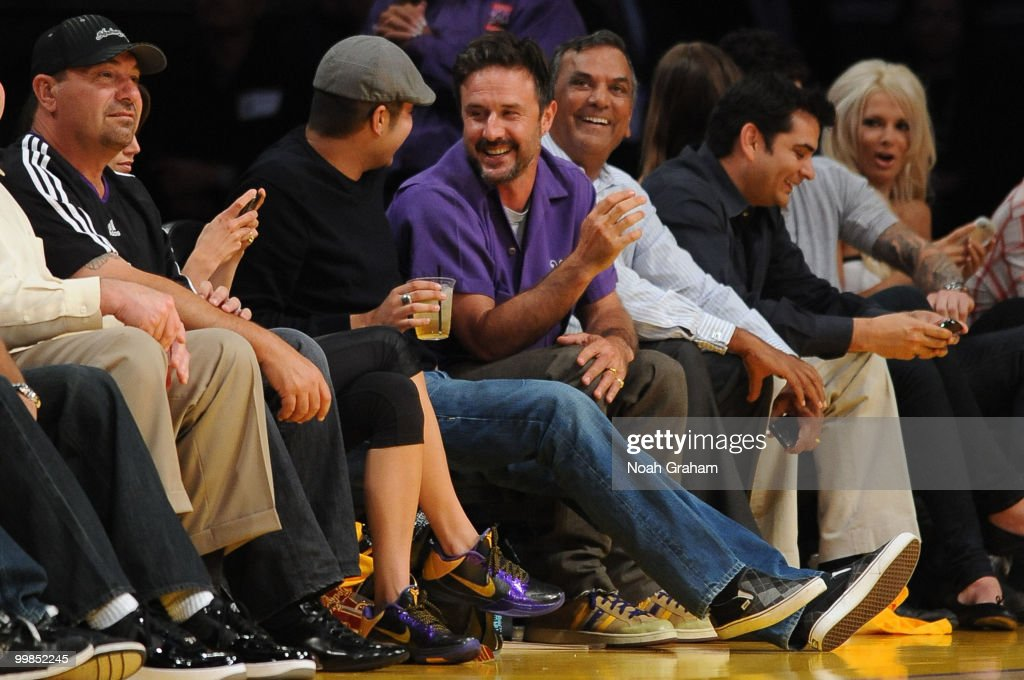 Actor David Arquette (C) attends Game One of the Western Conference Finals between the Phoenix Suns and the Los Angeles Lakers during the 2010 NBA Playoffs at Staples Center on May 17, 2010 in Los Angeles, California.