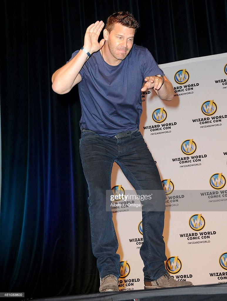 Actor <a gi-track='captionPersonalityLinkClicked' href=/galleries/search?phrase=David+Boreanaz&family=editorial&specificpeople=214055 ng-click='$event.stopPropagation()'>David Boreanaz</a> attends Wizard World Philadelphia Comic Con 2014 Day 3 held at Pennsylvania Convention Center on June 21, 2014 in Philadelphia, Pennsylvania.