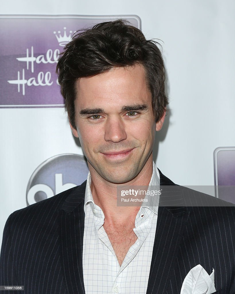 Actor David Walton attends the premiere of 'The Makeover' at the Fox Studio Lot on January 22, 2013 in Century City, California.