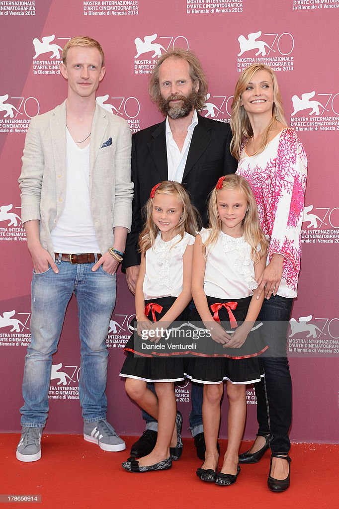 Actor David Zimmerschied, actresses Alexandra Finder, Chiara Kleemann, Pia Kleemann and Director Philip Gröning attend 'Die Frau des Polizisten' Photocall during The 70th Venice International Film Festival at Palazzo del Casino on August 30, 2013 in Venice, Italy.