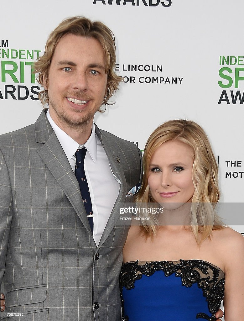 Actor <a gi-track='captionPersonalityLinkClicked' href=/galleries/search?phrase=Dax+Shepard&family=editorial&specificpeople=810830 ng-click='$event.stopPropagation()'>Dax Shepard</a> (L) and actress <a gi-track='captionPersonalityLinkClicked' href=/galleries/search?phrase=Kristen+Bell&family=editorial&specificpeople=194764 ng-click='$event.stopPropagation()'>Kristen Bell</a> attend the 2014 Film Independent Spirit Awards at Santa Monica Beach on March 1, 2014 in Santa Monica, California.
