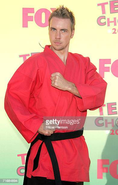 Actor Dax Shepard arrives at the 8th Annual Teen Choice Awards at the Gibson Amphitheatre on August 20 2006 in Universal City California