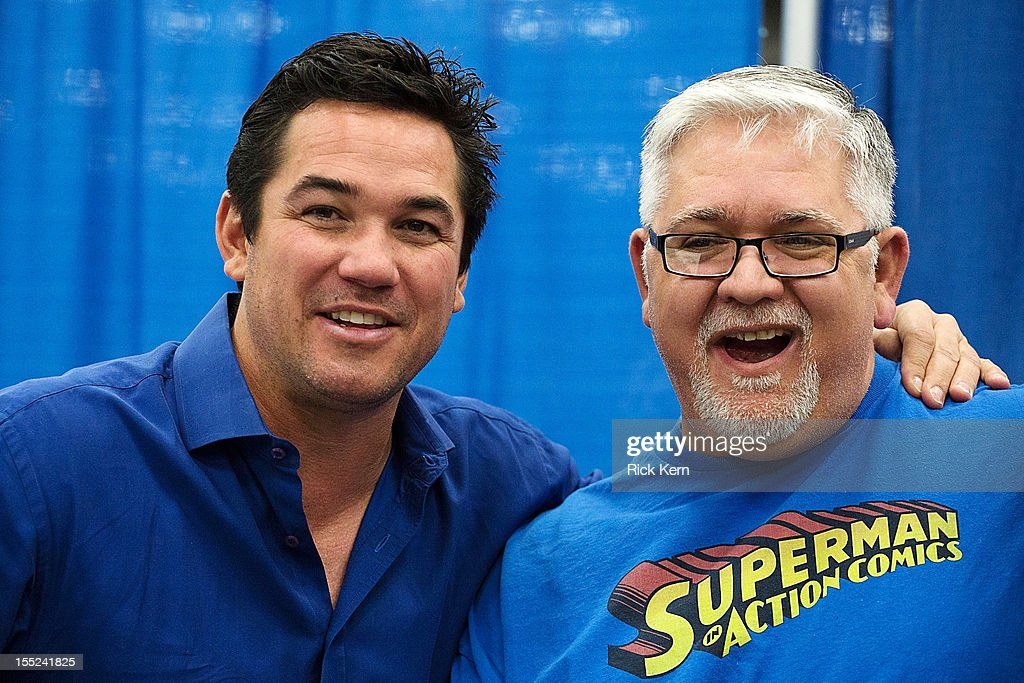 Actor <a gi-track='captionPersonalityLinkClicked' href=/galleries/search?phrase=Dean+Cain&family=editorial&specificpeople=210672 ng-click='$event.stopPropagation()'>Dean Cain</a> (L) attends day two of the Wizard World Austin Comic Con at the Austin Convention Center on October 27, 2012 in Austin, Texas.
