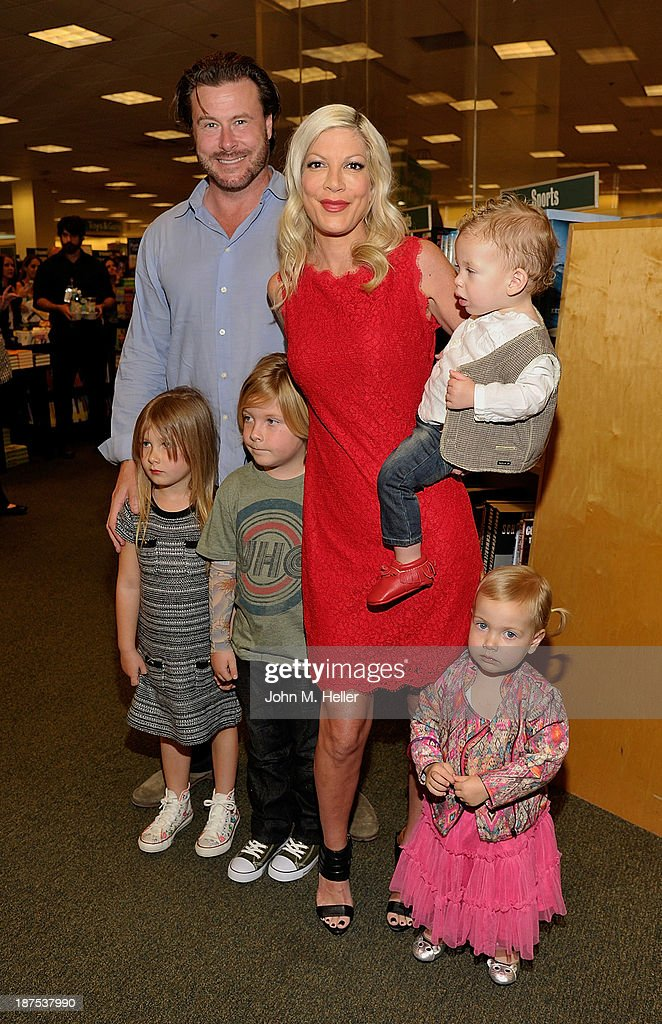 Actor Dean McDermott, Stella McDermott, Liam McDermott, Tori Spelling, Finn McDermott and Hattie McDermott attend the signing for her new book 'Spelling It Like It Is' at the Barnes & Noble bookstore at the Grove on November 9, 2013 in Los Angeles, California.