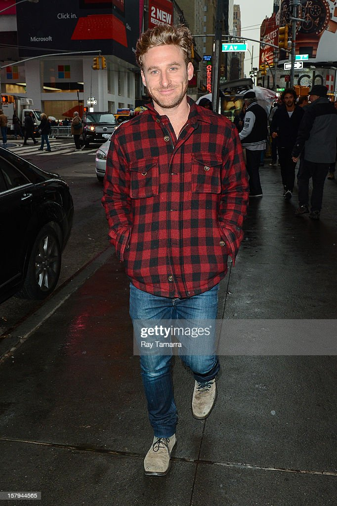 Actor Dean O'Gorman leaves the 'Big Morning Buzz' taping at the VH1 Studios on December 7, 2012 in New York City.