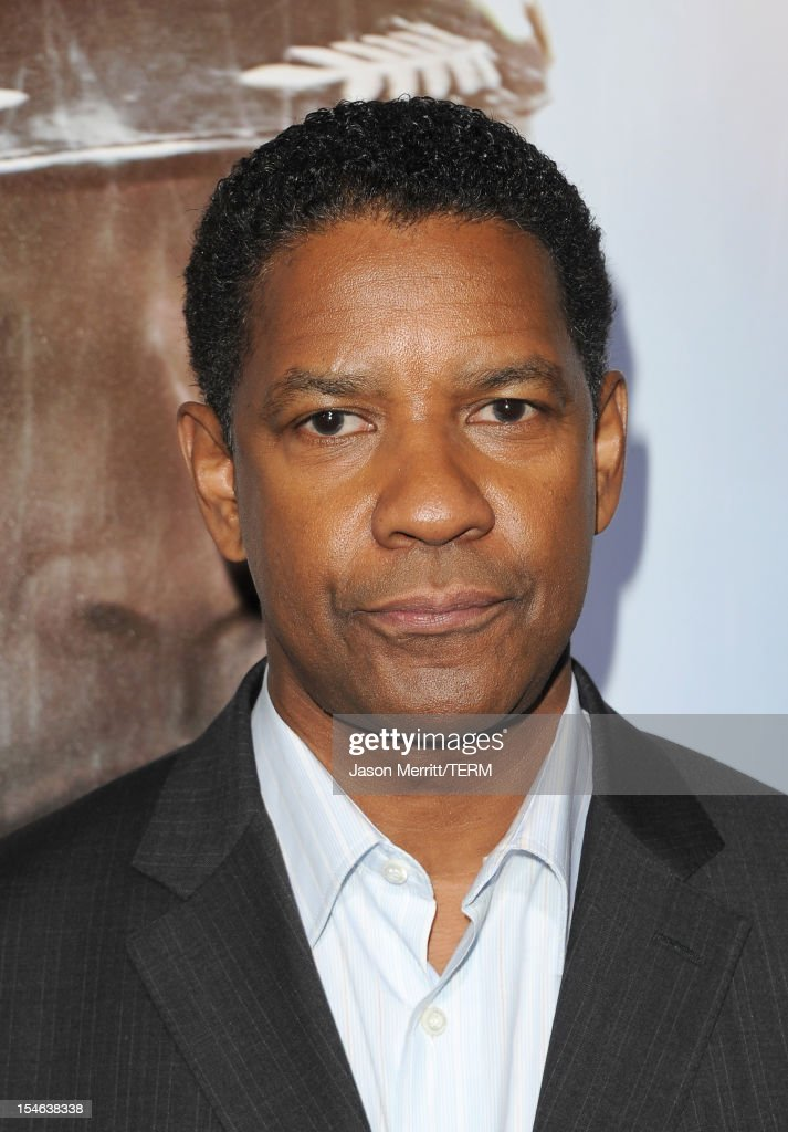 Actor <a gi-track='captionPersonalityLinkClicked' href=/galleries/search?phrase=Denzel+Washington&family=editorial&specificpeople=171332 ng-click='$event.stopPropagation()'>Denzel Washington</a> arrives at the premiere of Paramount Pictures' 'Flight' held at the ArcLight Cinemas on October 23, 2012 in Hollywood, California.
