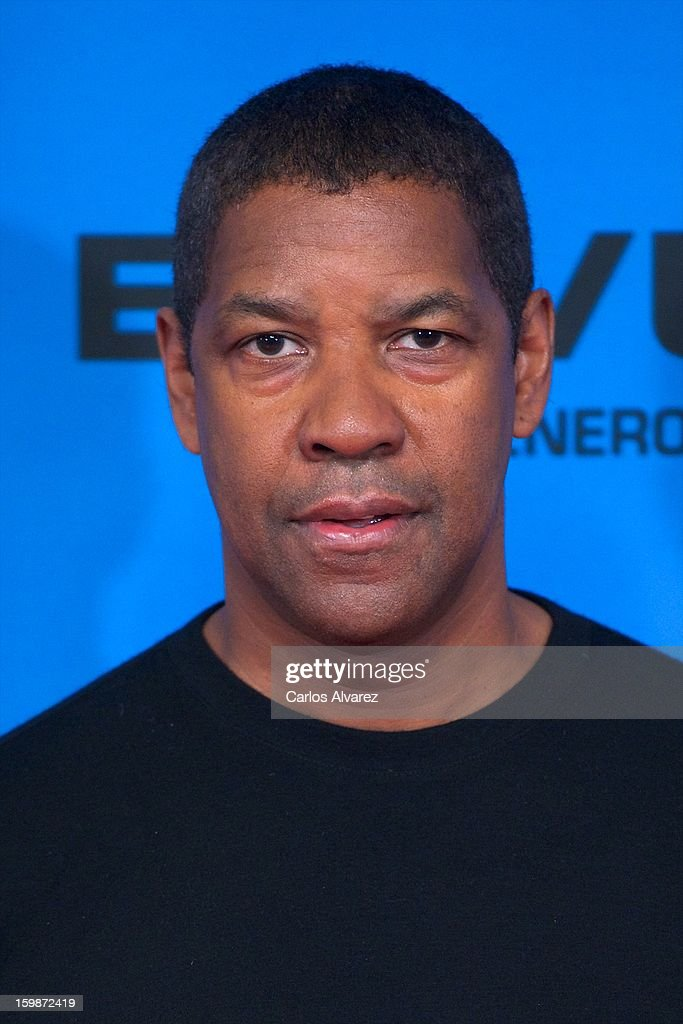 Actor <a gi-track='captionPersonalityLinkClicked' href=/galleries/search?phrase=Denzel+Washington&family=editorial&specificpeople=171332 ng-click='$event.stopPropagation()'>Denzel Washington</a> attends the 'Flight' (El Vuelo) photocall at the Villamagna Hotel on January 22, 2013 in Madrid, Spain.