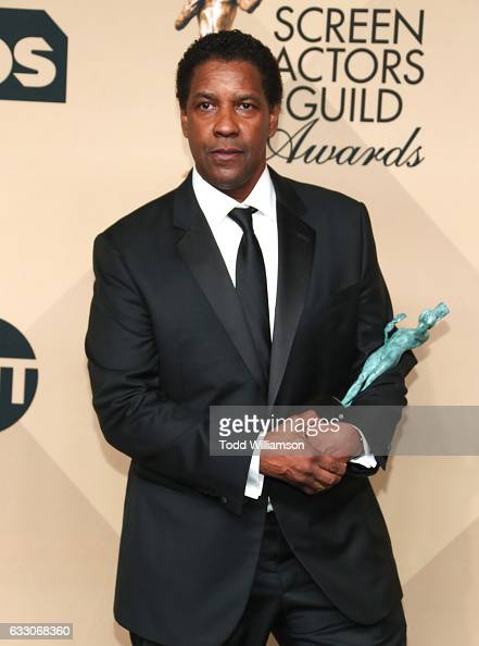 Actor Denzel Washington winner of the Outstanding Performance by a Male Actor in a Leading Role award for 'Fences' poses in the press room during the...