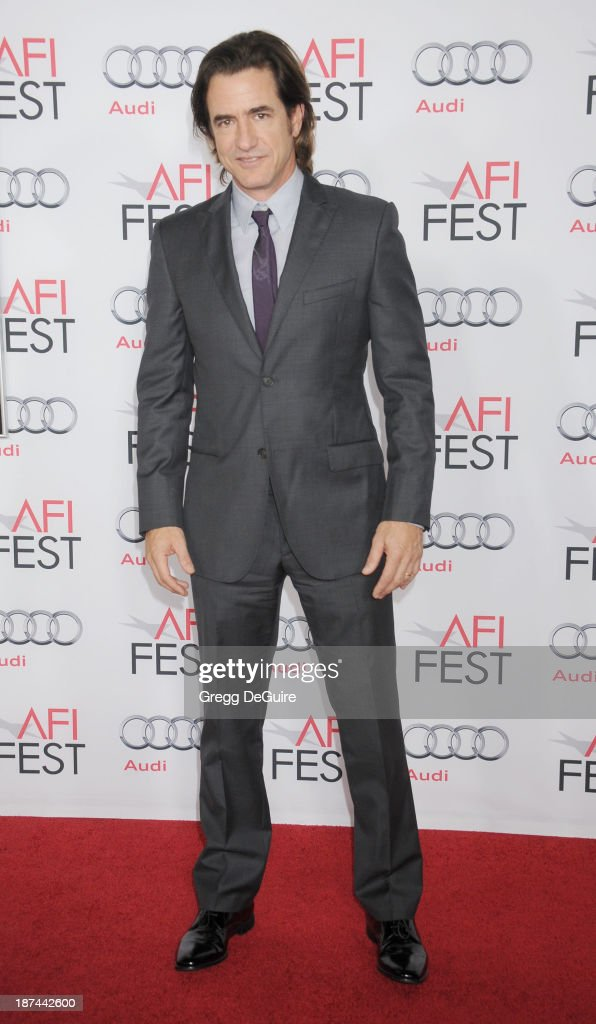 Actor <a gi-track='captionPersonalityLinkClicked' href=/galleries/search?phrase=Dermot+Mulroney&family=editorial&specificpeople=208776 ng-click='$event.stopPropagation()'>Dermot Mulroney</a> arrives at the AFI FEST 2013 Gala Screening of 'August: Osage County' at TCL Chinese Theatre on November 8, 2013 in Hollywood, California.