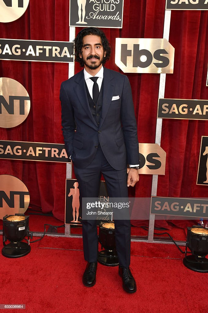 actor-naveen-andrews-attends-the-23rd-annual-screen-actors-guild-at-picture-id633036964