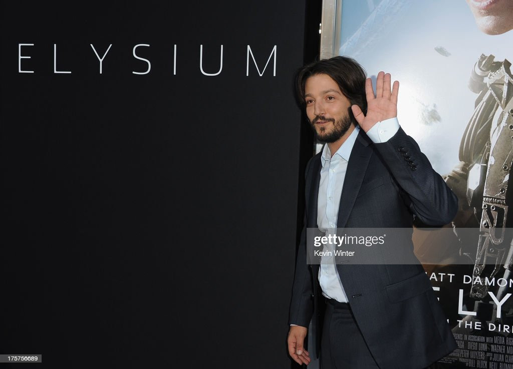 Actor <a gi-track='captionPersonalityLinkClicked' href=/galleries/search?phrase=Diego+Luna&family=editorial&specificpeople=213511 ng-click='$event.stopPropagation()'>Diego Luna</a> attends the premiere of TriStar Pictures' 'Elysium' at Regency Village Theatre on August 7, 2013 in Westwood, California.