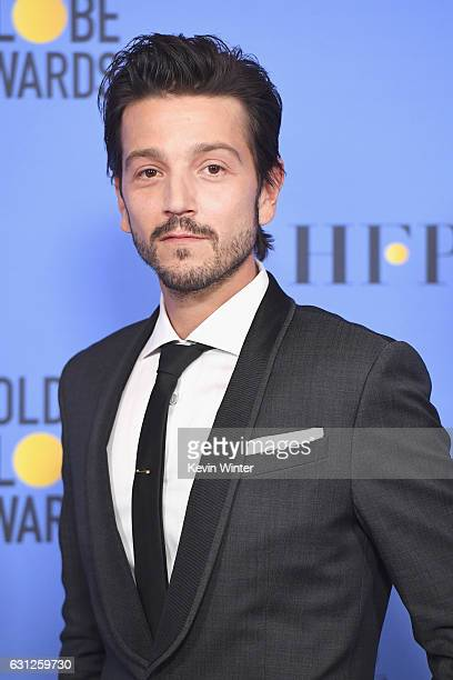 Actor Diego Luna poses in the press room during the 74th Annual Golden Globe Awards at The Beverly Hilton Hotel on January 8 2017 in Beverly Hills...