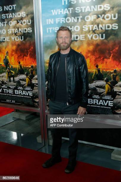 Actor Dierks Bentley attends the 'Only the Brave' New York screening at iPic Theater on October 17 in New York / AFP PHOTO / KENA BETANCUR