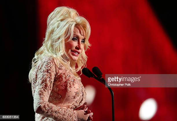 Actor Dolly Parton during The 23rd Annual Screen Actors Guild Awards at The Shrine Auditorium on January 29 2017 in Los Angeles California 26592_012