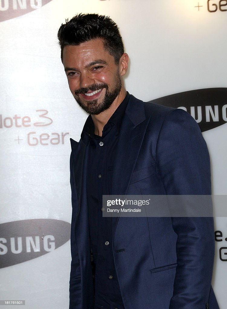 Actor <a gi-track='captionPersonalityLinkClicked' href=/galleries/search?phrase=Dominic+Cooper&family=editorial&specificpeople=863047 ng-click='$event.stopPropagation()'>Dominic Cooper</a> attends the launch of Samsung's Galaxy Gear and Galaxy Note 3 at ME Hotel on September 24, 2013 in London, England.