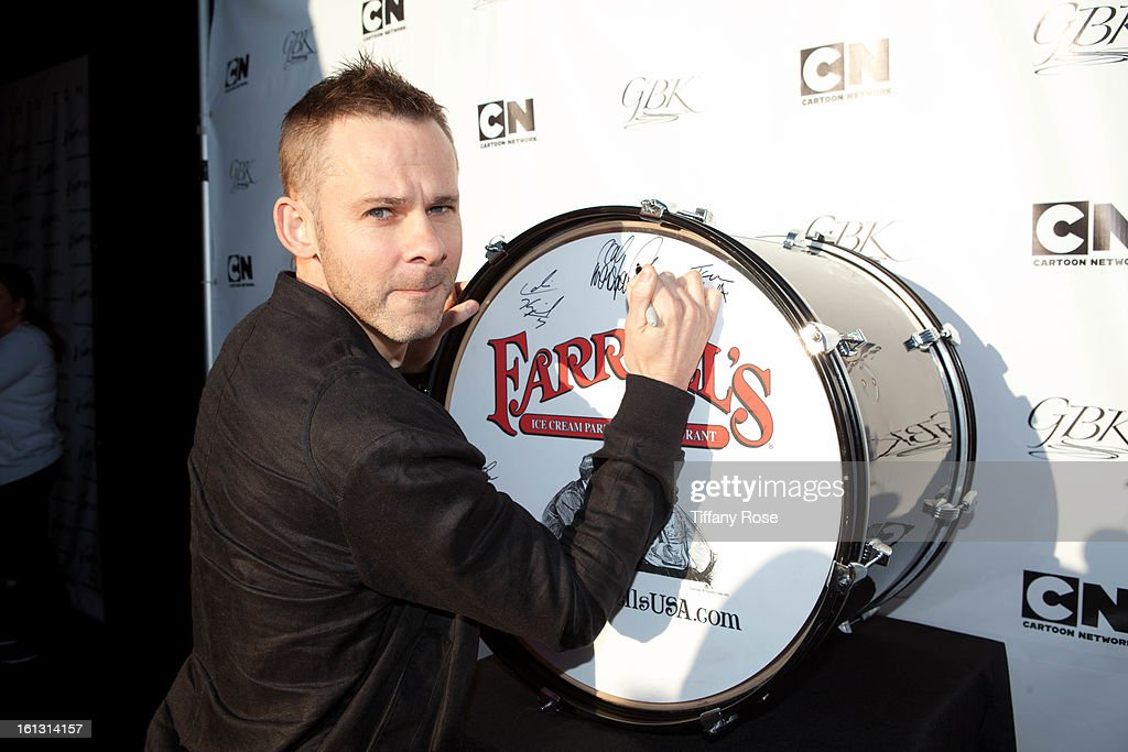 Actor <a gi-track='captionPersonalityLinkClicked' href=/galleries/search?phrase=Dominic+Monaghan&family=editorial&specificpeople=209279 ng-click='$event.stopPropagation()'>Dominic Monaghan</a> attends the GBK & Cartoon Network's Official Backstage Thank You Lounge at Barker Hangar on February 9, 2013 in Santa Monica, California.