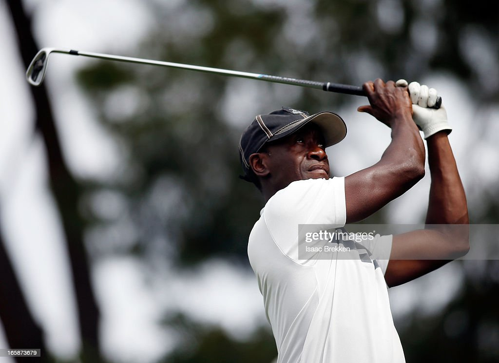 Actor <a gi-track='captionPersonalityLinkClicked' href=/galleries/search?phrase=Don+Cheadle&family=editorial&specificpeople=202096 ng-click='$event.stopPropagation()'>Don Cheadle</a> hits a tee shot during ARIA Resort & Casino's Michael Jordan Celebrity Invitational golf tournament at Shadow Creek on April 6, 2013 in North Las Vegas, Nevada.