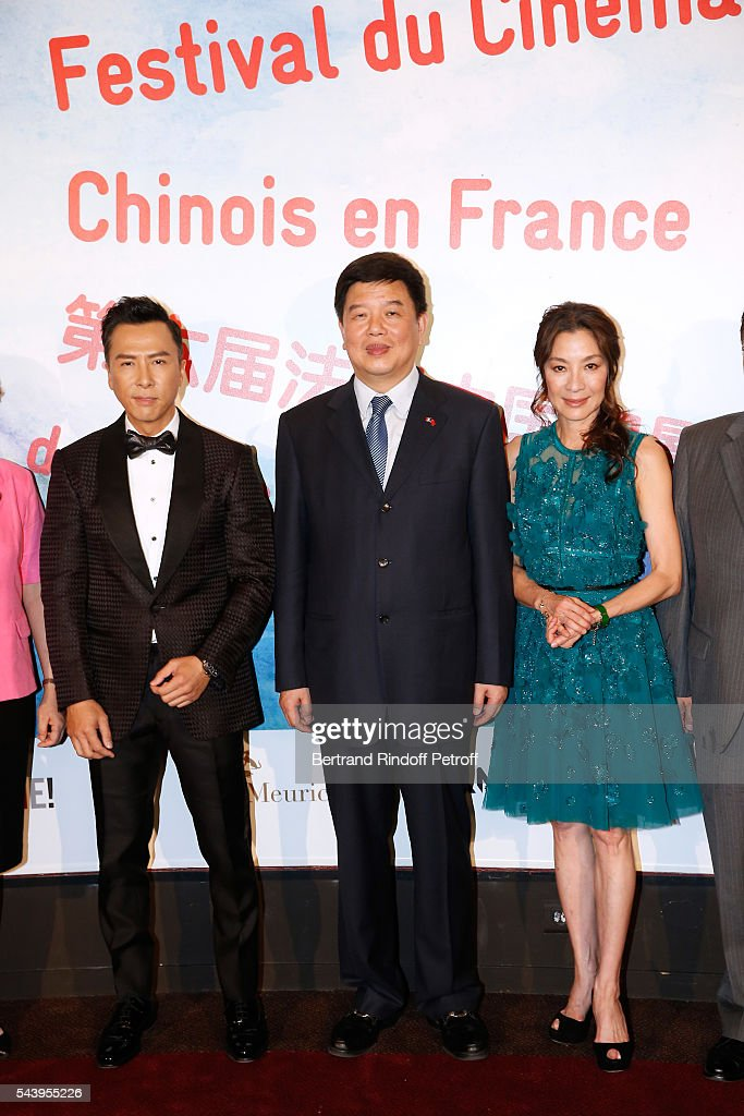 Actor <a gi-track='captionPersonalityLinkClicked' href=/galleries/search?phrase=Donnie+Yen&family=editorial&specificpeople=235559 ng-click='$event.stopPropagation()'>Donnie Yen</a>, Vice-Minister of SAPPFRT, Tong Gang and Actress <a gi-track='captionPersonalityLinkClicked' href=/galleries/search?phrase=Michelle+Yeoh&family=editorial&specificpeople=223894 ng-click='$event.stopPropagation()'>Michelle Yeoh</a> attend the 6th Chinese Film Festival