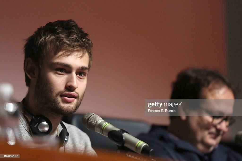 Actor <a gi-track='captionPersonalityLinkClicked' href=/galleries/search?phrase=Douglas+Booth&family=editorial&specificpeople=6324411 ng-click='$event.stopPropagation()'>Douglas Booth</a> (L) and director Carlo Carlei speak at the 'Romeo And Juliet' Press Conference during the 8th Rome Film Festival at the Auditorium Parco Della Musica on November 11, 2013 in Rome, Italy.