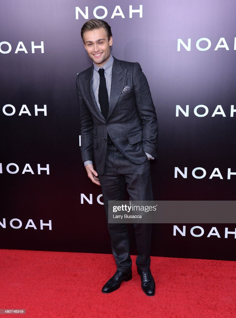 Actor <a gi-track='captionPersonalityLinkClicked' href=/galleries/search?phrase=Douglas+Booth&family=editorial&specificpeople=6324411 ng-click='$event.stopPropagation()'>Douglas Booth</a> attends the New York premiere of Paramount Pictures' 'Noah' at the Ziegfeld Theatre on March 26, 2014 in New York City.