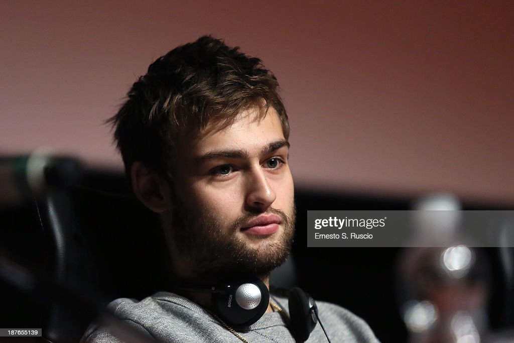 Actor <a gi-track='captionPersonalityLinkClicked' href=/galleries/search?phrase=Douglas+Booth&family=editorial&specificpeople=6324411 ng-click='$event.stopPropagation()'>Douglas Booth</a> speaks at the 'Romeo And Juliet' Press Conference during the 8th Rome Film Festival at the Auditorium Parco Della Musica on November 11, 2013 in Rome, Italy.