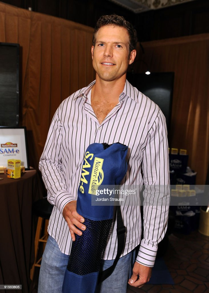 Actor Dr. Travis Stork poses in the Daytime Emmy official gift lounge produced by On 3 Productions held at The Orpheum Theatre on August 29, 2009 in Los Angeles, California.