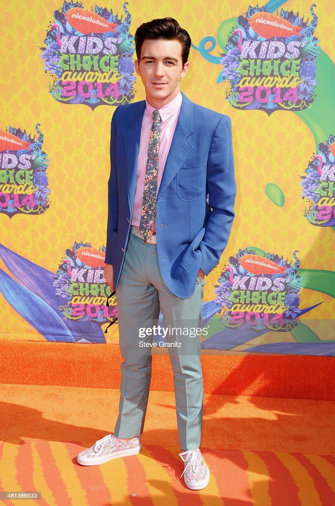 Actor <a gi-track='captionPersonalityLinkClicked' href=/galleries/search?phrase=Drake+Bell&family=editorial&specificpeople=215051 ng-click='$event.stopPropagation()'>Drake Bell</a> attends Nickelodeon's 27th Annual Kids' Choice Awards held at USC Galen Center on March 29, 2014 in Los Angeles, California.