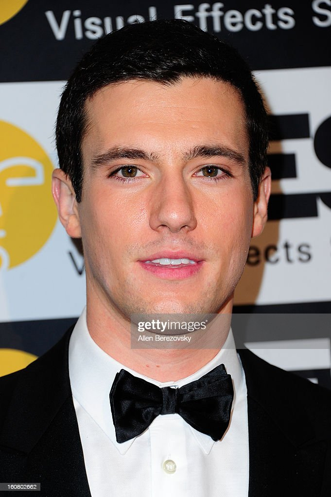 Actor Drew Roy arrives at the 2013 Visual Effects Society Awards at The Beverly Hilton Hotel on February 5, 2013 in Beverly Hills, California.