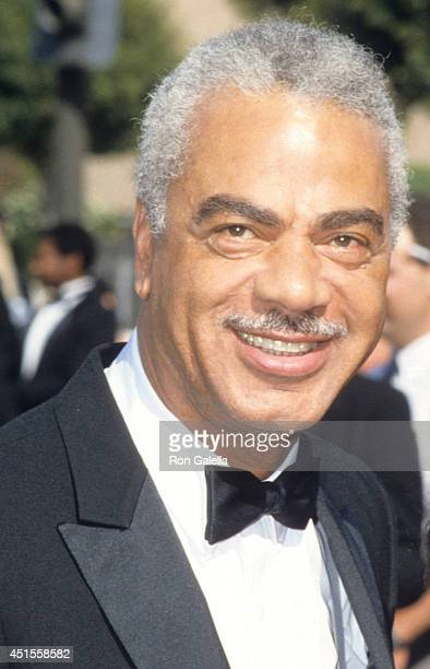 Actor Earle Hyman attends the 38th Annual Primetime Emmy Awards on September 21 1986 at the Pasadena Civic Auditorium in Pasadena California