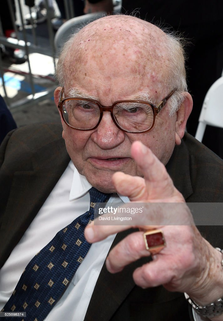 Actor <a gi-track='captionPersonalityLinkClicked' href=/galleries/search?phrase=Ed+Asner&family=editorial&specificpeople=216485 ng-click='$event.stopPropagation()'>Ed Asner</a> attends Barbara Bain being honored with a Star on the Hollywood Walk of Fame on April 28, 2016 in Hollywood, California.