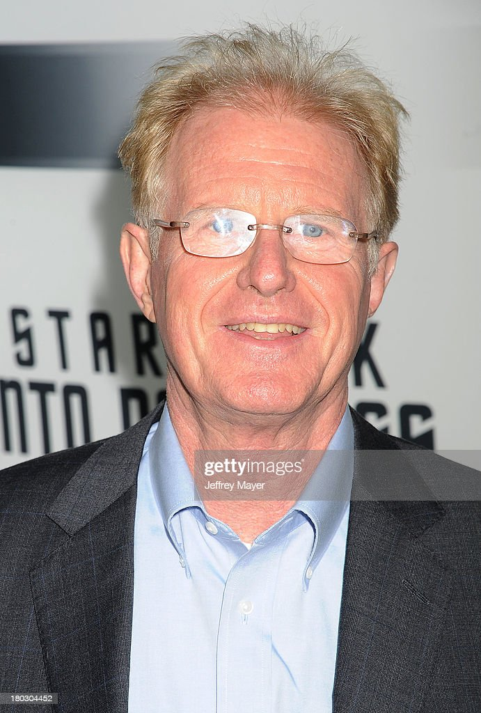 Actor <a gi-track='captionPersonalityLinkClicked' href=/galleries/search?phrase=Ed+Begley+Jr.&family=editorial&specificpeople=208850 ng-click='$event.stopPropagation()'>Ed Begley Jr.</a> attends the Paramount Pictures' celebration of the Blu-Ray and DVD debut of 'Star Trek: Into Darkness' at California Science Center on September 10, 2013 in Los Angeles, California.