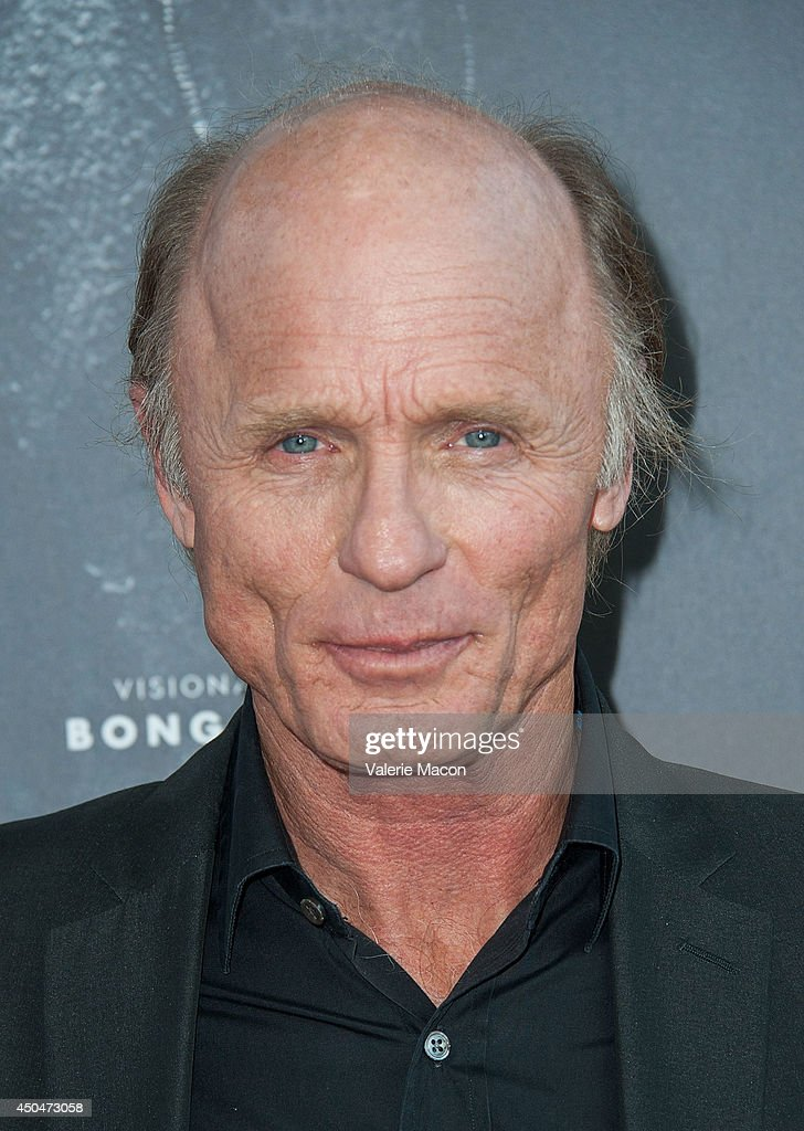 Actor <a gi-track='captionPersonalityLinkClicked' href=/galleries/search?phrase=Ed+Harris&family=editorial&specificpeople=215262 ng-click='$event.stopPropagation()'>Ed Harris</a> arrives at the 2014 Los Angeles Film Festival - Opening Night Premiere Of 'Snowpiercer' at Regal Cinemas L.A. Live on June 11, 2014 in Los Angeles, California.