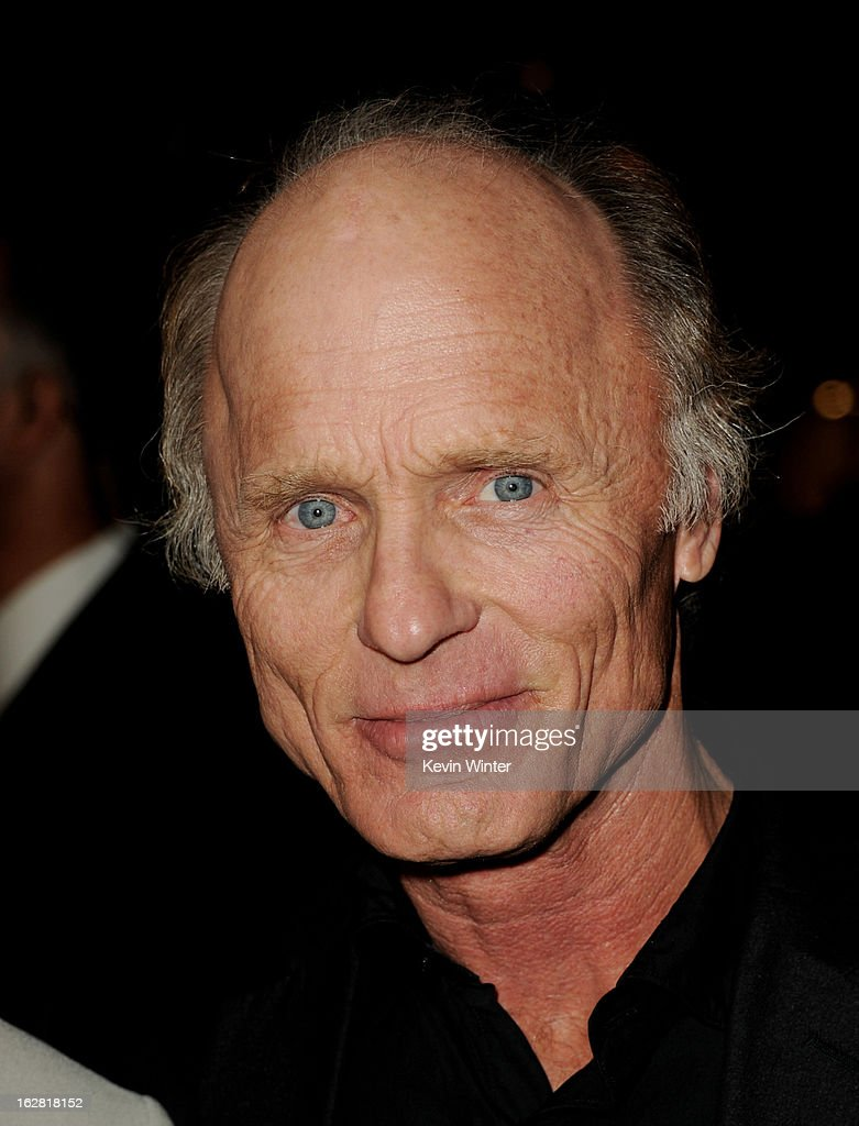 Actor <a gi-track='captionPersonalityLinkClicked' href=/galleries/search?phrase=Ed+Harris&family=editorial&specificpeople=215262 ng-click='$event.stopPropagation()'>Ed Harris</a> arrives at the premiere of 'Phantom' at the Chinese Theater on February 27, 2013 in Los Angeles, California.