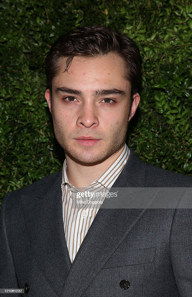 Actor <a gi-track='captionPersonalityLinkClicked' href=/galleries/search?phrase=Ed+Westwick&family=editorial&specificpeople=3974832 ng-click='$event.stopPropagation()'>Ed Westwick</a> attends The CFDA/Vogue Fashion Fund Awards at Skylight Studio on November 16, 2009 in New York City.