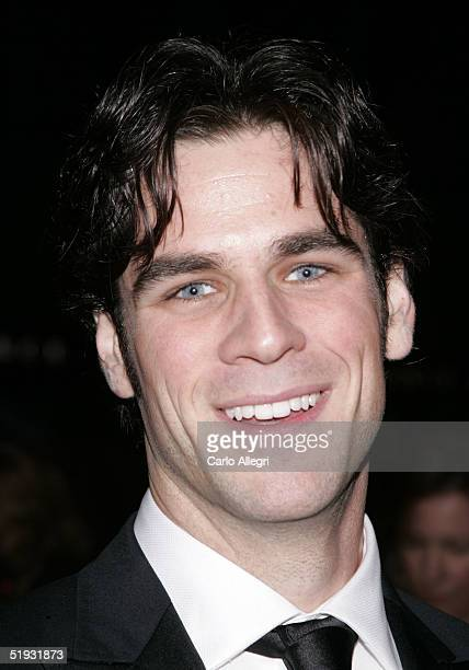 Actor Eddie Cahill arrives at the 31st Annual People's Choice Awards at the Pasadena Civic Auditorium on January 9 2005 in Pasadena California