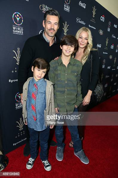 Actor Eddie Cibrian singer LeAnn Rimes Jake Cibrian and Mason Cibrian attend The Grove's 12th Annual Christmas Tree Lighting Spectacular Presented By...