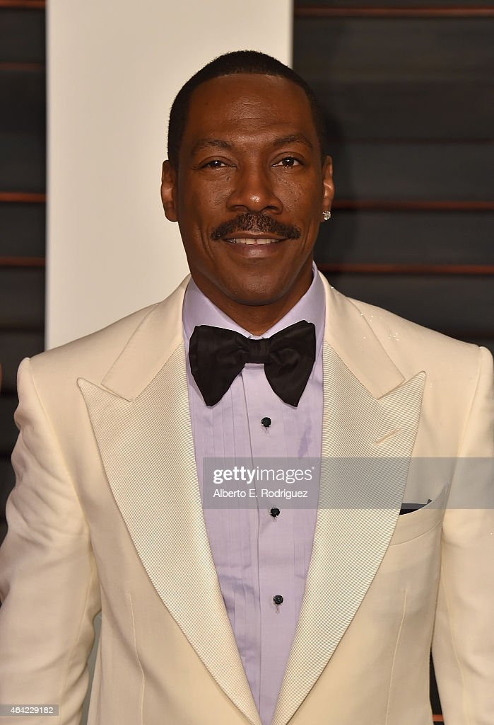 Actor <a gi-track='captionPersonalityLinkClicked' href=/galleries/search?phrase=Eddie+Murphy&family=editorial&specificpeople=203093 ng-click='$event.stopPropagation()'>Eddie Murphy</a> attends the 2015 Vanity Fair Oscar Party hosted by Graydon Carter at Wallis Annenberg Center for the Performing Arts on February 22, 2015 in Beverly Hills, California.