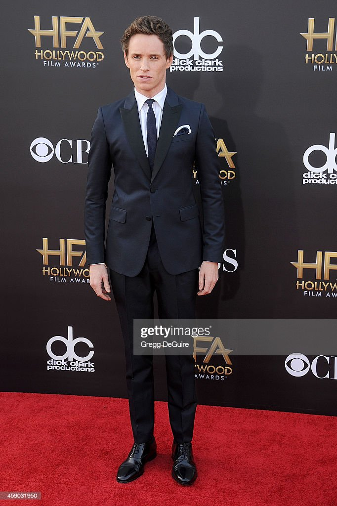 Actor Eddie Redmayne arrives at the 18th Annual Hollywood Film Awards at The Palladium on November 14, 2014 in Hollywood, California.