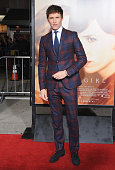 Actor Eddie Redmayne arrives at the Los Angeles Premiere Of Focus Features' 'The Danish Girl' at Westwood Village Theatre on November 21 2015 in...