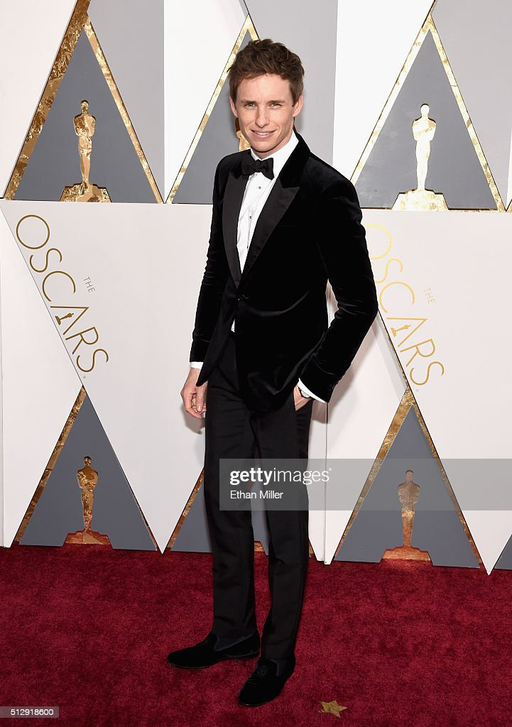 Actor Eddie Redmayne attends the 88th Annual Academy Awards at Hollywood & Highland Center on February 28, 2016 in Hollywood, California.