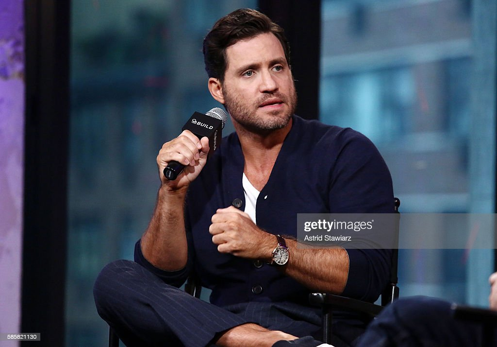 Actor Edgar Ramirez attends AOL Build presents to discuss his new movie 'Hands Of Stone' at AOL HQ on August 4, 2016 in New York City.
