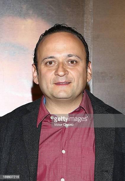 Actor Eduardo Espana attends the '7 Anos de Matrimonio' Mexico City premiere red carpet at Plaza Carso on January 22 2013 in Mexico City Mexico